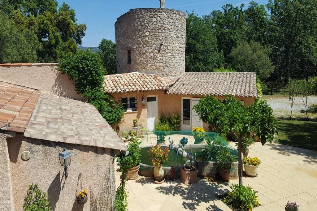Vente achat maison villa le plan de la tour 83120 for Les plan de villa